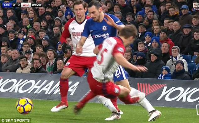 Hazard lập cú đúp, Chelsea trở lại Top 4 - Ảnh 5.