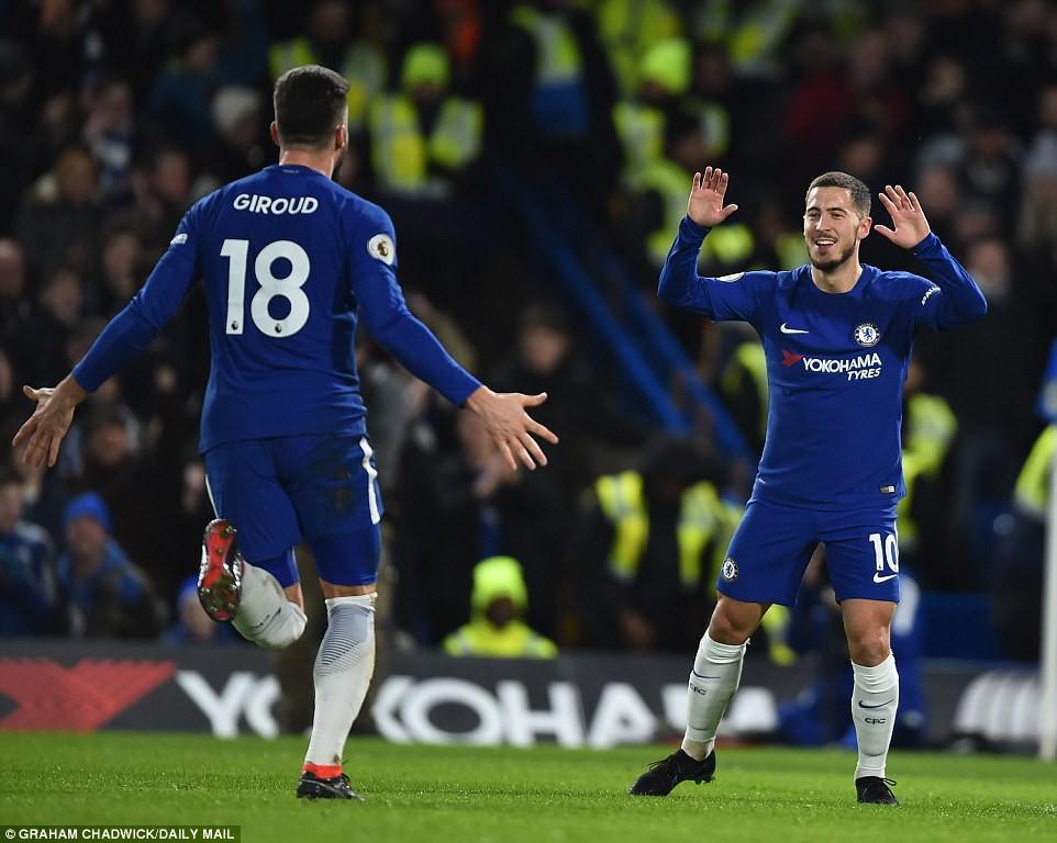 Hazard lập cú đúp, Chelsea trở lại Top 4 - Ảnh 8.