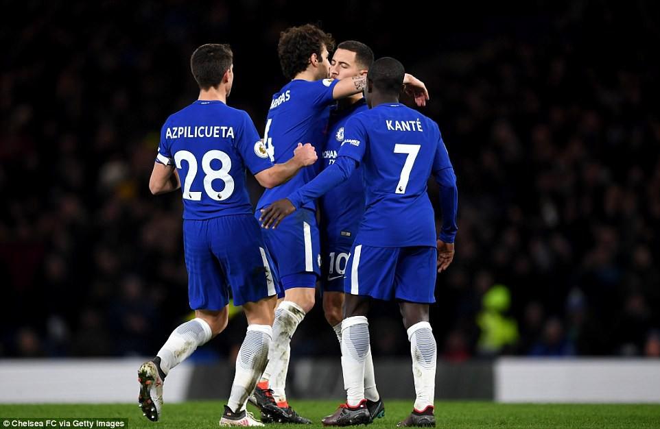 Hazard lập cú đúp, Chelsea trở lại Top 4 - Ảnh 13.