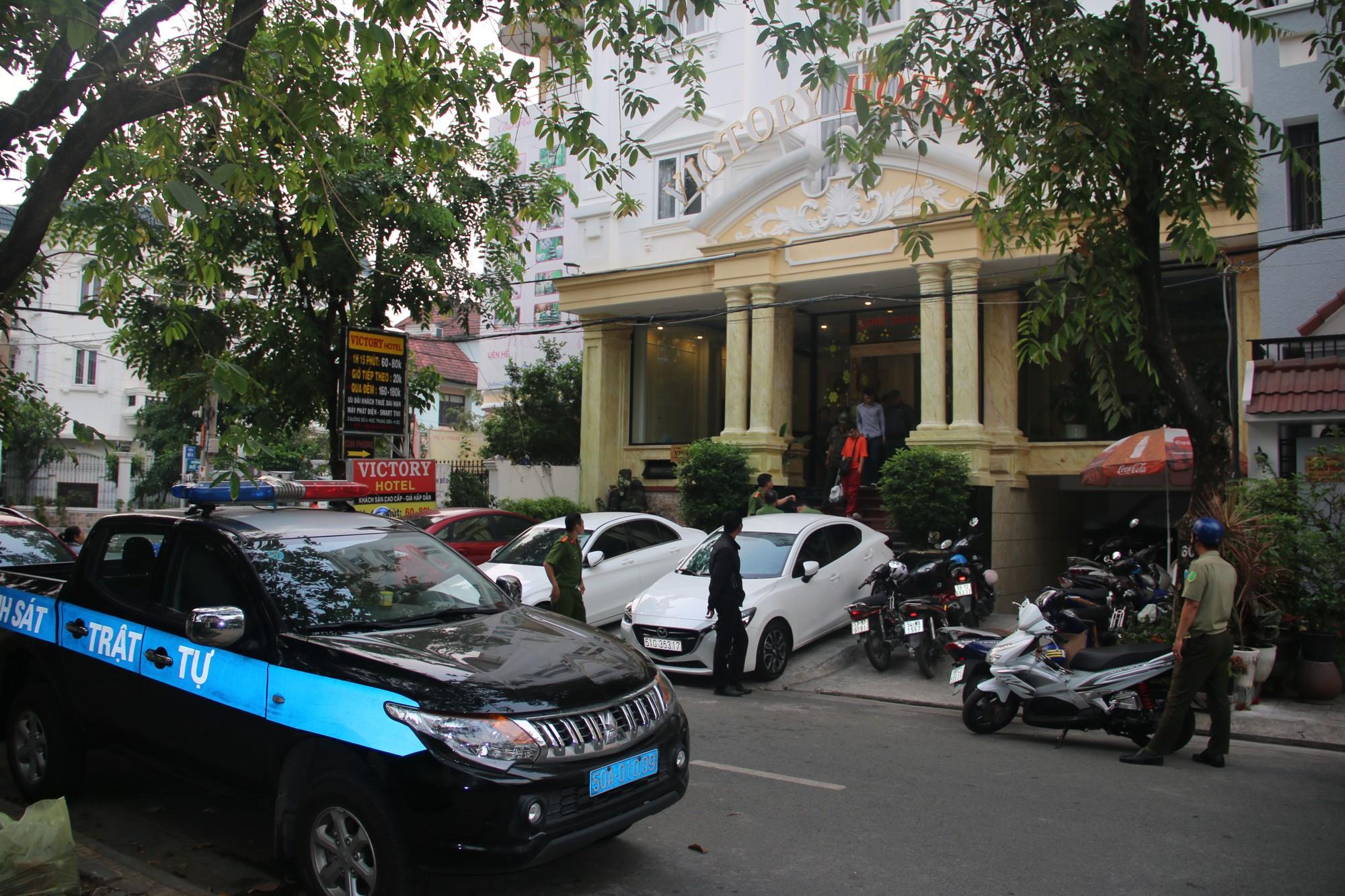 Nhiều nam nữ thuê khách sạn nghi phê ma tuý ở Sài Gòn trong ngày 28 Tết nguyên Đán - Ảnh 4.