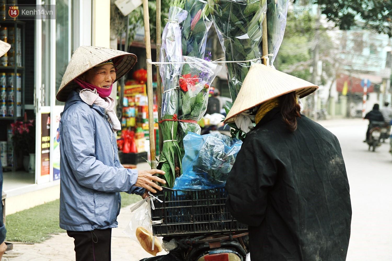 Làng Tây Tựu nhộn nhịp tiếng cười những ngày giáp Tết, người nông dân hy vọng vào một mùa vụ sung túc - Ảnh 7.