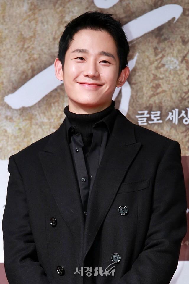 Sự kiện hội tụ gần 40 ngôi sao: Hyomin và Jaekyung chiếm hết spotlight, nam phụ Jung Hae In quá điển trai - Ảnh 12.