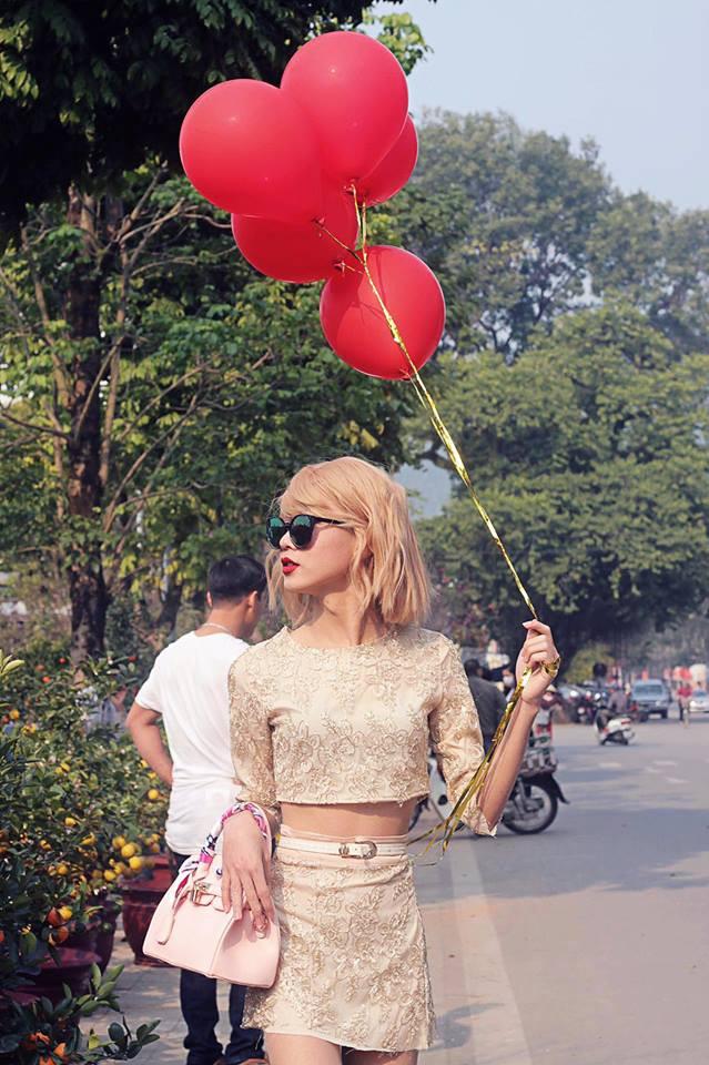 Cậu bạn cosplay Taylor Swift dạo chợ Tết, diễn sâu đến nỗi fangirl bật khóc vì tưởng thật - Ảnh 1.