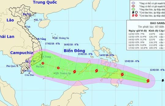 Bão Sanba diễn biến phức tạp sắp vào Biển Đông, TP.HCM yêu cầu các sở không được chủ quan - Ảnh 1.
