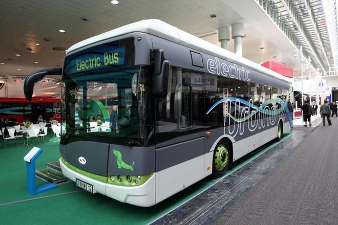 Triển vọng năng lượng sáng sủa: Hơn một nửa xe buýt công cộng sẽ trở thành xe buýt điện vào năm 2025 - Ảnh 1.