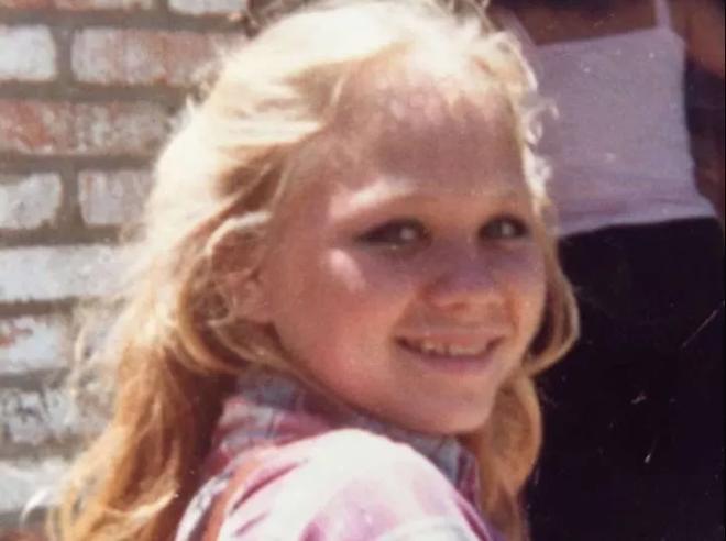 Bé gái bị bắt cóc rồi sát hại năm 14 tuổi, cảnh sát bất lực không tìm được hung thủ, 37 năm sau kẻ ác phải lộ diện vì điều này - Ảnh 3.