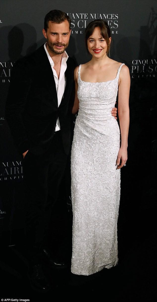Để có thân hình bốc lửa khi diễn cảnh sexy trong 50 sắc thái: Đây là những gì nữ diễn viên xinh đẹp Dakota Johnson đã làm - Ảnh 4.