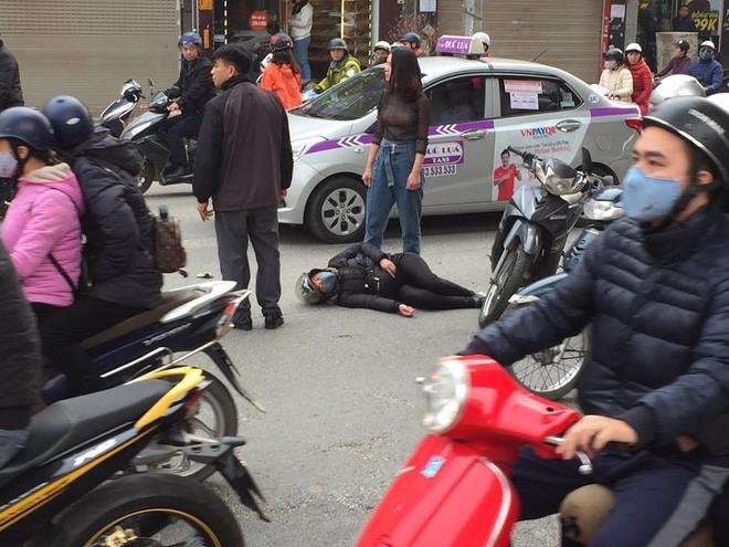 Ba ô tô đâm liên hoàn trên phố chiều 28 Tết làm nhiều người bị thương - Ảnh 5.