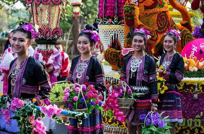 Tết Việt Nam thì không thể thiếu đào mai, còn người dân châu Á trưng hoa gì trong năm mới để có nhiều may mắn tài lộc? - Ảnh 7.