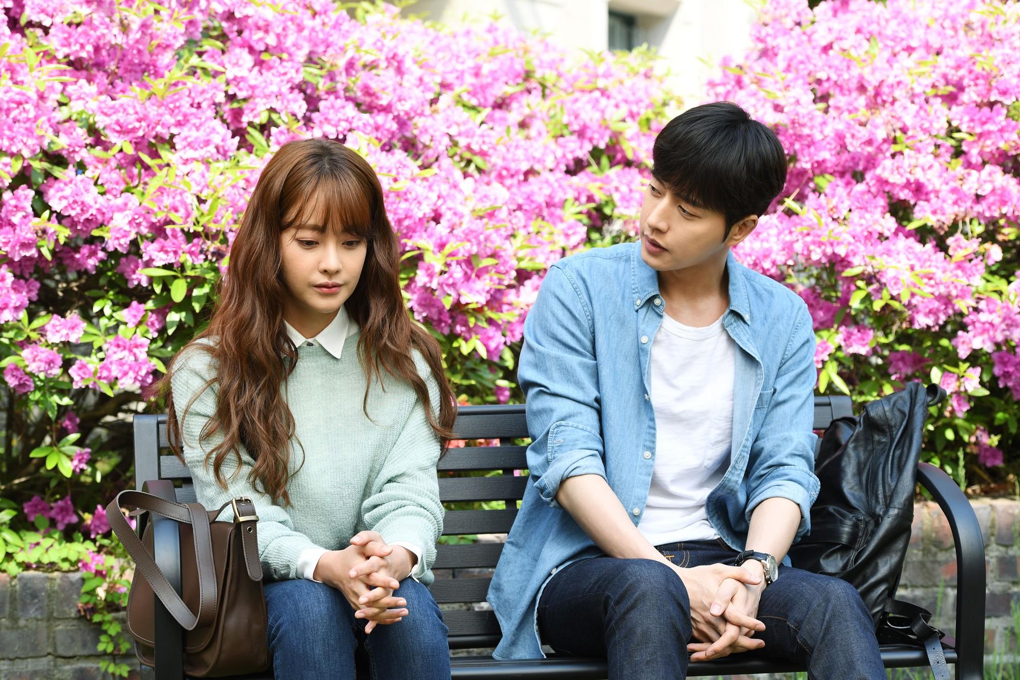 Bản điện ảnh Cheese in the Trap tung trailer đầu tiên: Hong Seol mới cực đẹp đôi với Park Hae Jin! - Ảnh 11.