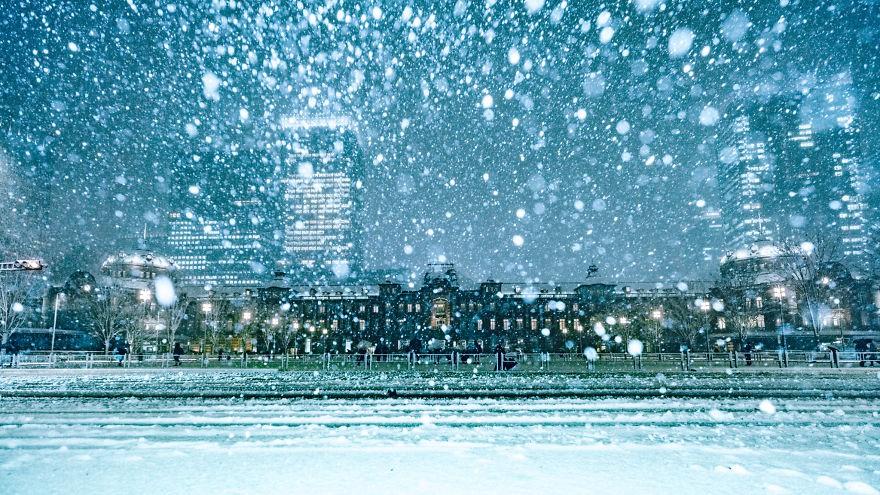 Ngắm bộ ảnh Tokyo tuyệt đẹp trong tuyết trắng dưới góc nhìn của nhiếp ảnh gia Nhật Bản - Ảnh 1.