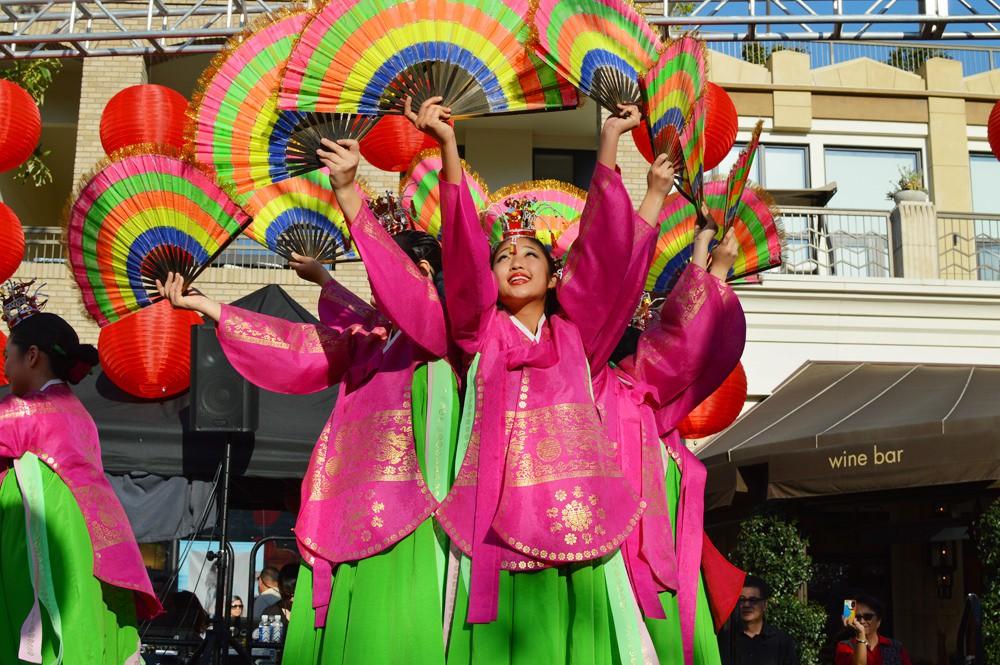 Không chỉ ở Việt Nam, tết Nguyên Đán còn là ngày lễ quan trọng ở những đất nước này - Ảnh 7.