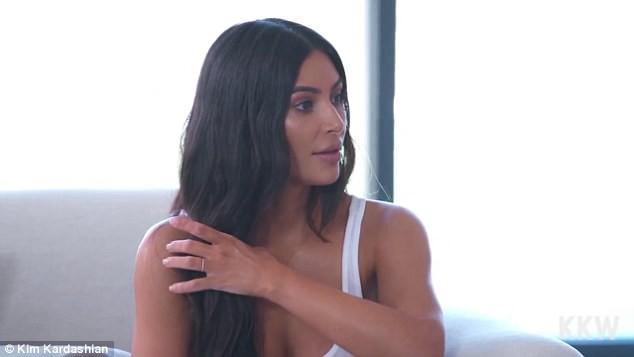 Chụp ảnh cực gợi cảm, Kim Kardashian khoe vòng eo chỉ còn 60 cm sau 2 lần mang thai - Ảnh 5.