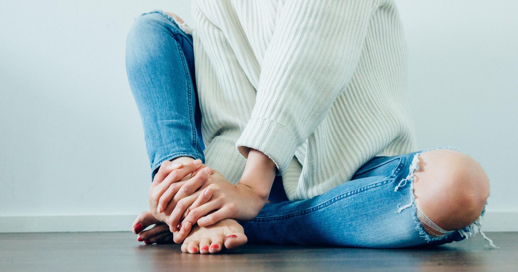 Móng chân tím đen là dấu hiệu cảnh báo sức khoẻ mà bạn không nên xem thường - Ảnh 5.