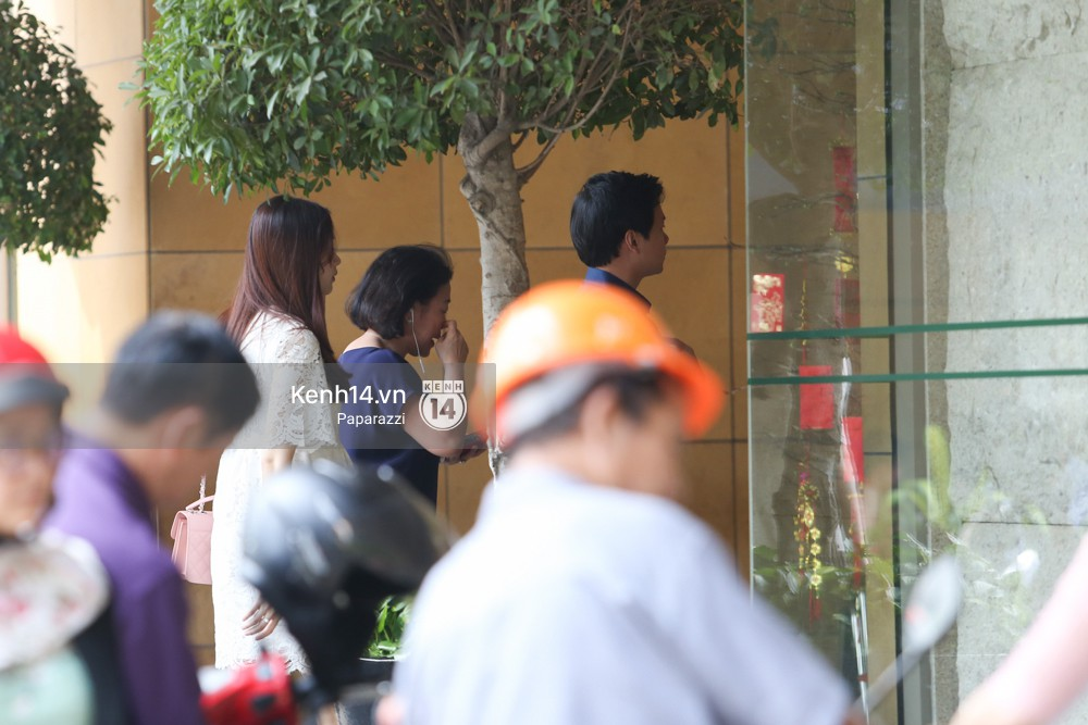 Mở màn paparazzi năm Mậu Tuất: Hoa hậu Đặng Thu Thảo lần đầu lộ bụng bầu, cùng ông xã Tín Nguyễn đi khám thai! - Ảnh 7.