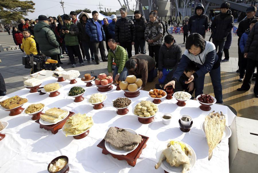 Không chỉ ở Việt Nam, tết Nguyên Đán còn là ngày lễ quan trọng ở những đất nước này - Ảnh 8.