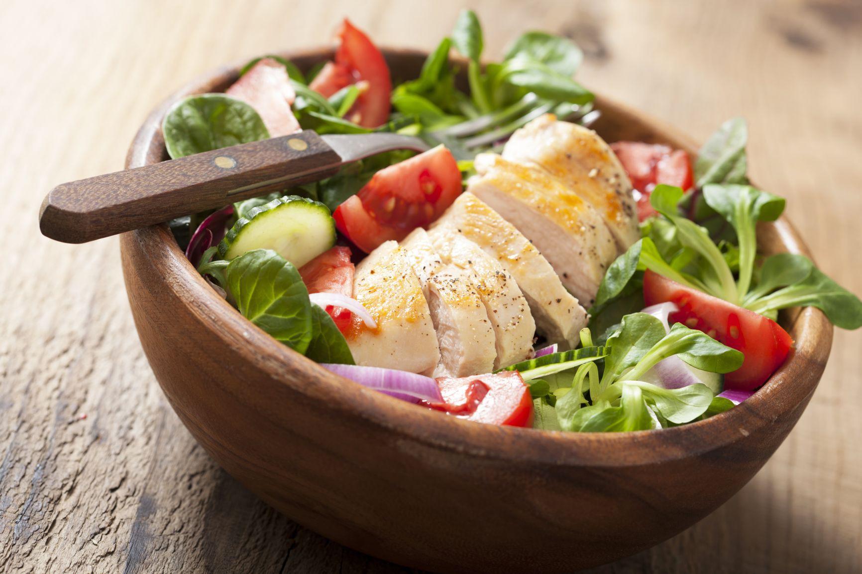 Bí quyết ăn uống ngày Tết để thoải mái ăn thịt mà không lo tăng cân - Ảnh 2.