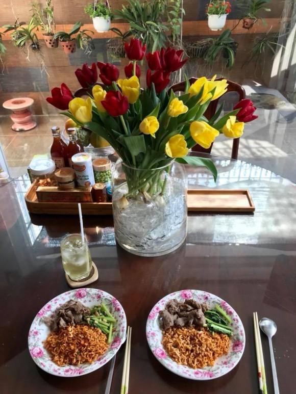 Sao Việt người khoe quà khủng, người hạnh phúc hé lộ người yêu bí mật trong ngày Valentine - Ảnh 13.