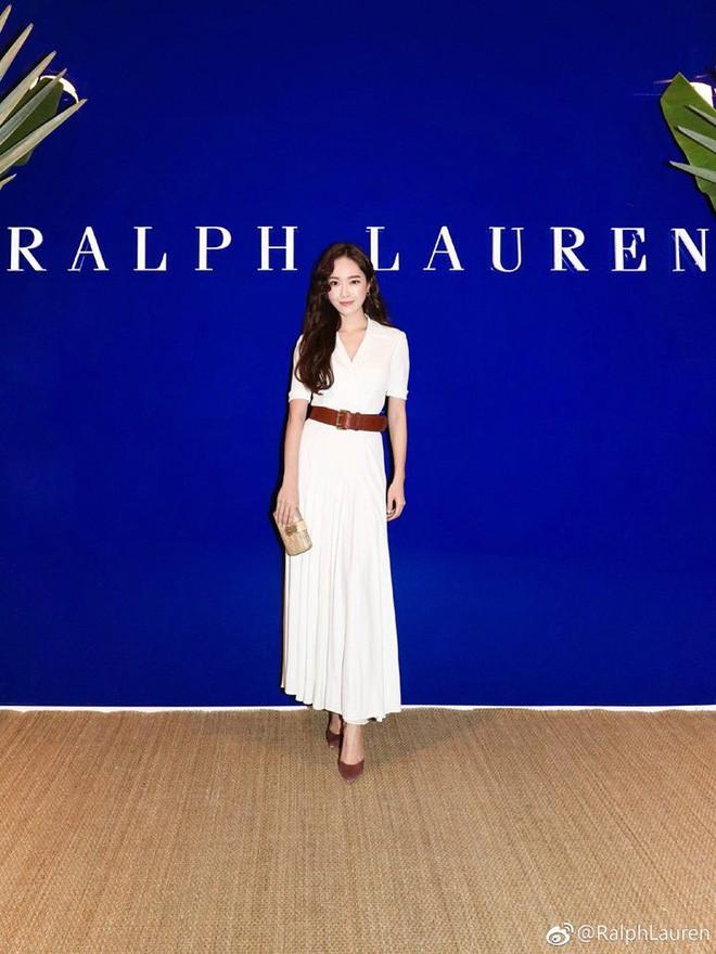 Chỉ diện đồ trắng mà công chúa băng giá Jessica Jung cũng đẹp xuất thần tại Tuần lễ thời trang New York - Ảnh 4.