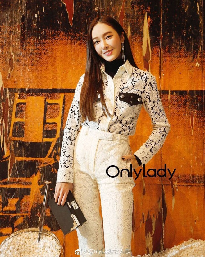 Chỉ diện đồ trắng mà công chúa băng giá Jessica Jung cũng đẹp xuất thần tại Tuần lễ thời trang New York - Ảnh 10.