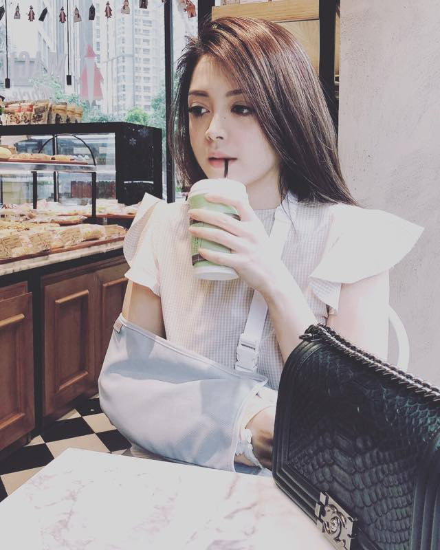 Bạn gái tin đồn của Soobin hóa ra là tín đồ hàng hiệu đích thực và rất nghiện túi Chanel - Ảnh 5.