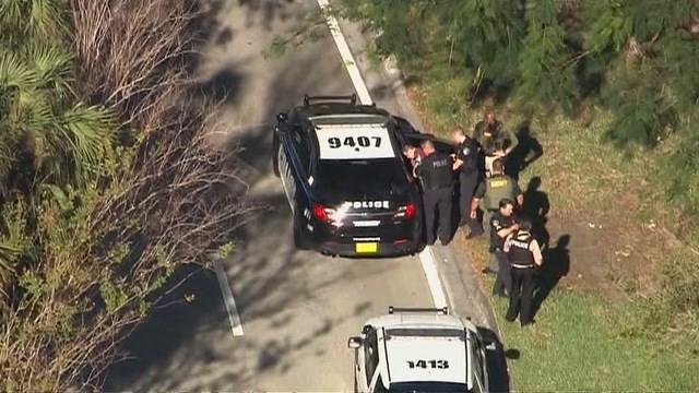 Vụ xả súng ở Florida: Tổng thống Mỹ chia buồn với gia đình nạn nhân - Ảnh 1.