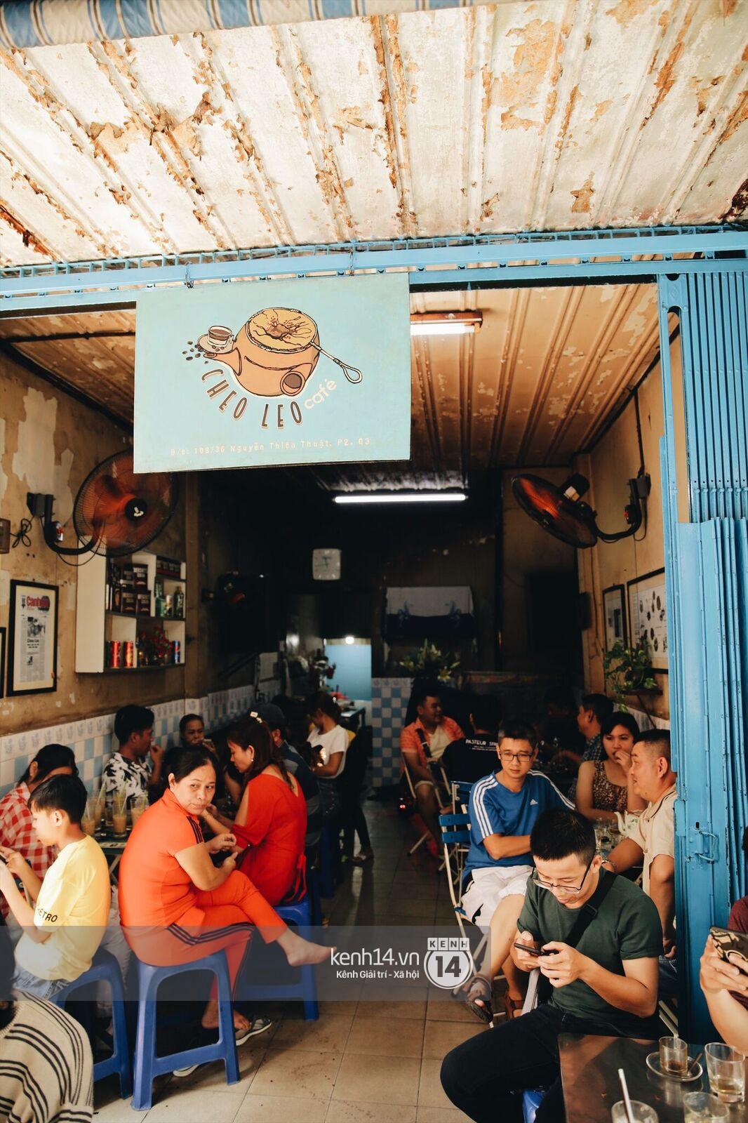 Không khí nhộn nhịp ngày đầu năm tại quán cafe vợt lâu đời nhất Sài Gòn, gần 80 năm chỉ nghỉ đúng ngày 30 Tết - Ảnh 5.