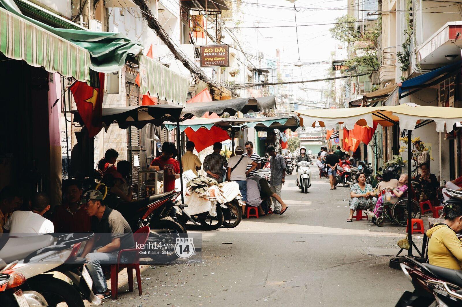 Không khí nhộn nhịp ngày đầu năm tại quán cafe vợt lâu đời nhất Sài Gòn, gần 80 năm chỉ nghỉ đúng ngày 30 Tết - Ảnh 6.