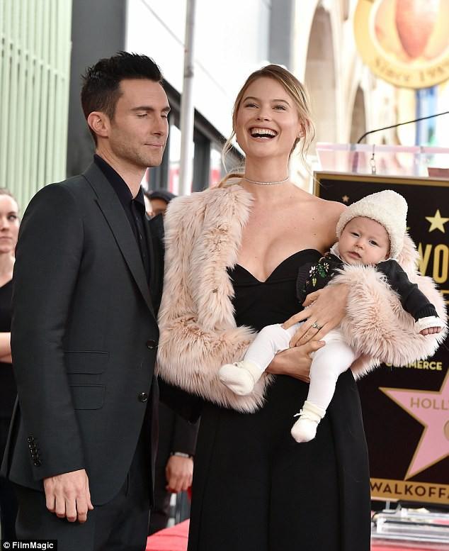 Vợ chồng Adam Levine chào đón bé gái thứ 2 và đặt cái tên cực độc lạ cho con - Ảnh 3.