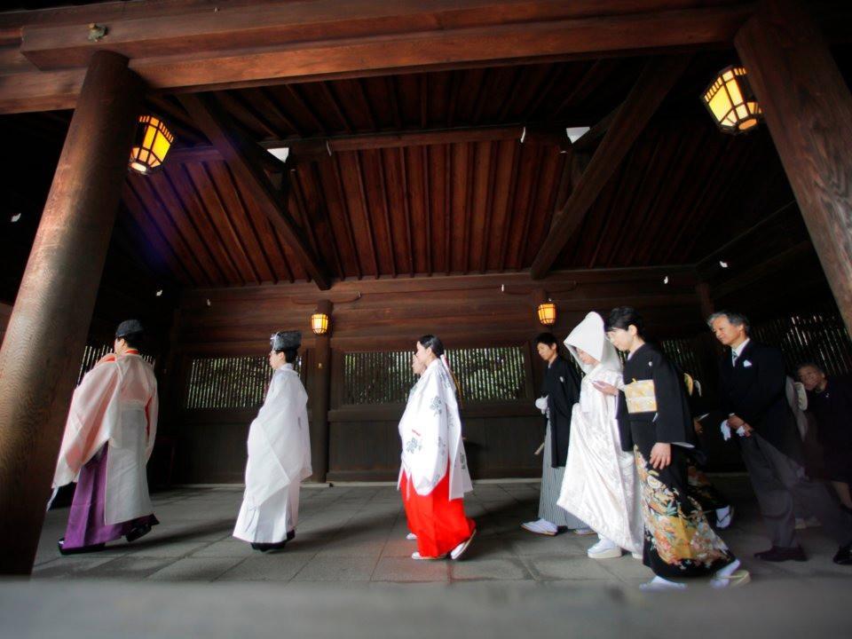 12 điểm khác biệt trong đám cưới truyền thống của Nhật Bản: Ai được mời thì đến, không rủ người khác đi cùng! - Ảnh 4.