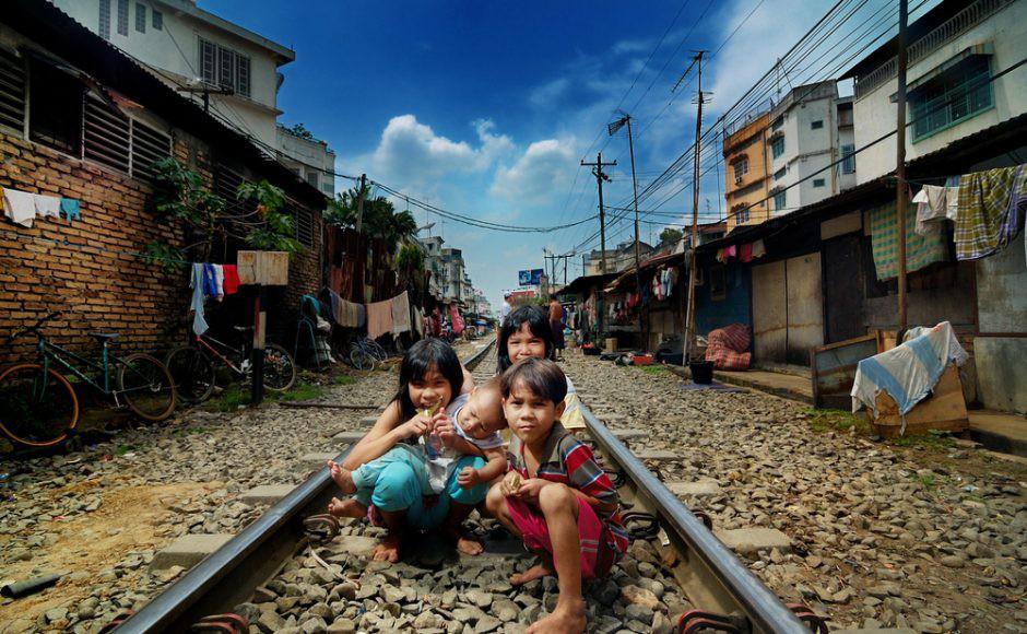 Khi những khu ổ chuột trở thành điểm du lịch: Vườn thú người trần trụi hay trang mới tươi sáng cho người nghèo? - Ảnh 2.