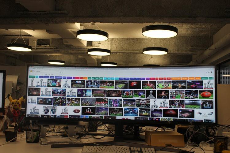 Màn hình cực dị dài bằng cả mặt bàn này sẽ hiển thị các trang web như thế nào? - Ảnh 11.
