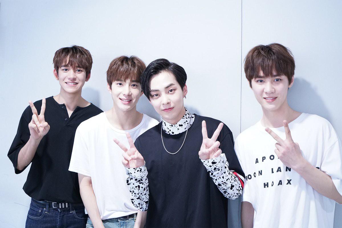 Cùng nghía qua 3 trai đẹp mới toanh của SM đang khiến hội fangirl chết lên chết xuống - Ảnh 24.
