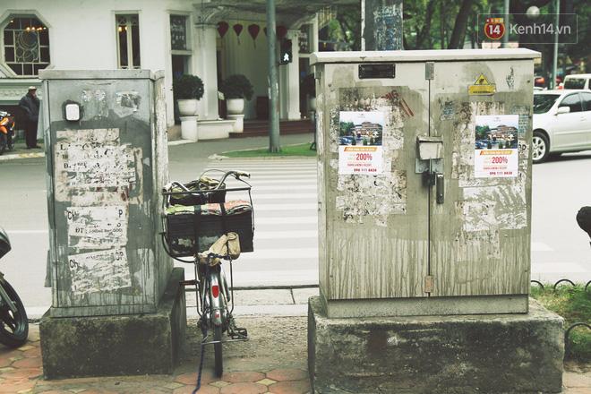 Chùm ảnh: Bốt điện nhếch nhác ở trung tâm Hà Nội xúng xính khoác áo mới chào xuân - Ảnh 1.