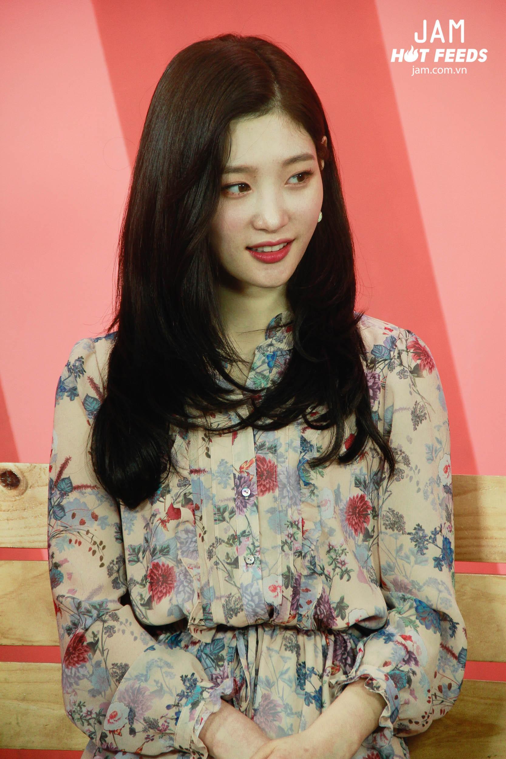 Xứng danh nữ thần thế hệ mới, Chae Yeon đẹp đến xiêu lòng trong bất kỳ khoảnh khắc nào! - Ảnh 2.