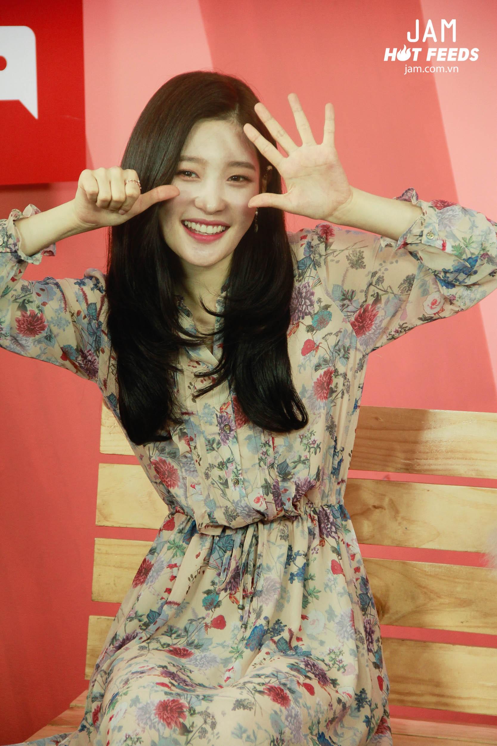 Xứng danh nữ thần thế hệ mới, Chae Yeon đẹp đến xiêu lòng trong bất kỳ khoảnh khắc nào! - Ảnh 9.