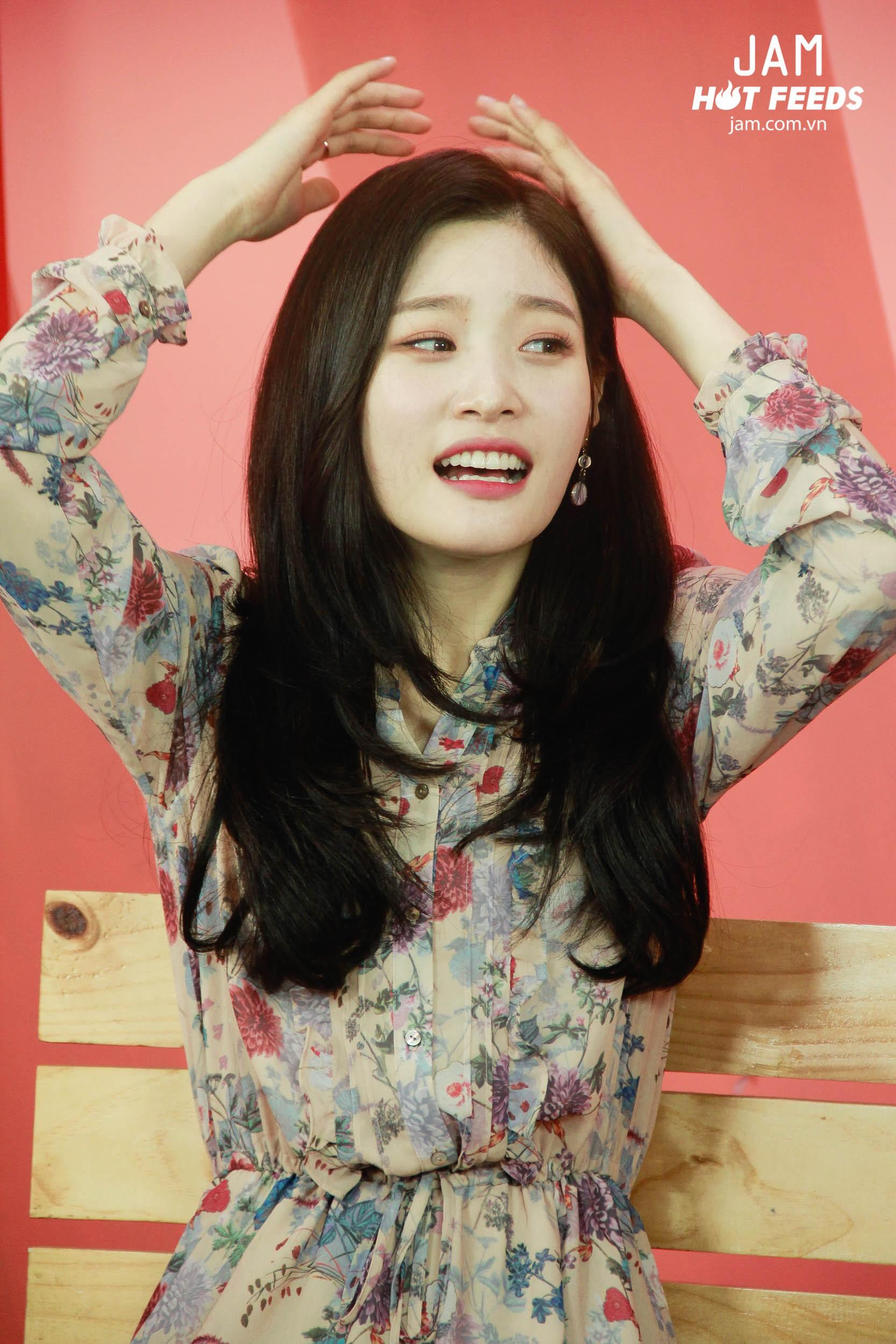 Xứng danh nữ thần thế hệ mới, Chae Yeon đẹp đến xiêu lòng trong bất kỳ khoảnh khắc nào! - Ảnh 11.