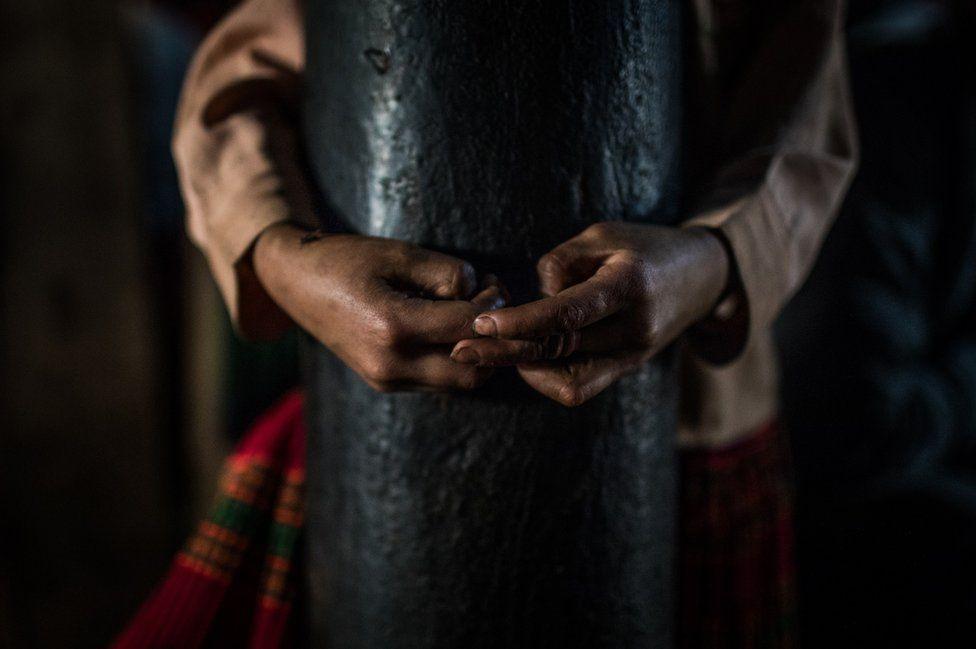 Nỗi lòng của những phụ nữ mất con gái nơi vùng núi phía bắc: Tổ quốc đẹp và buồn đến nao lòng trên tạp chí BBC - Ảnh 4.