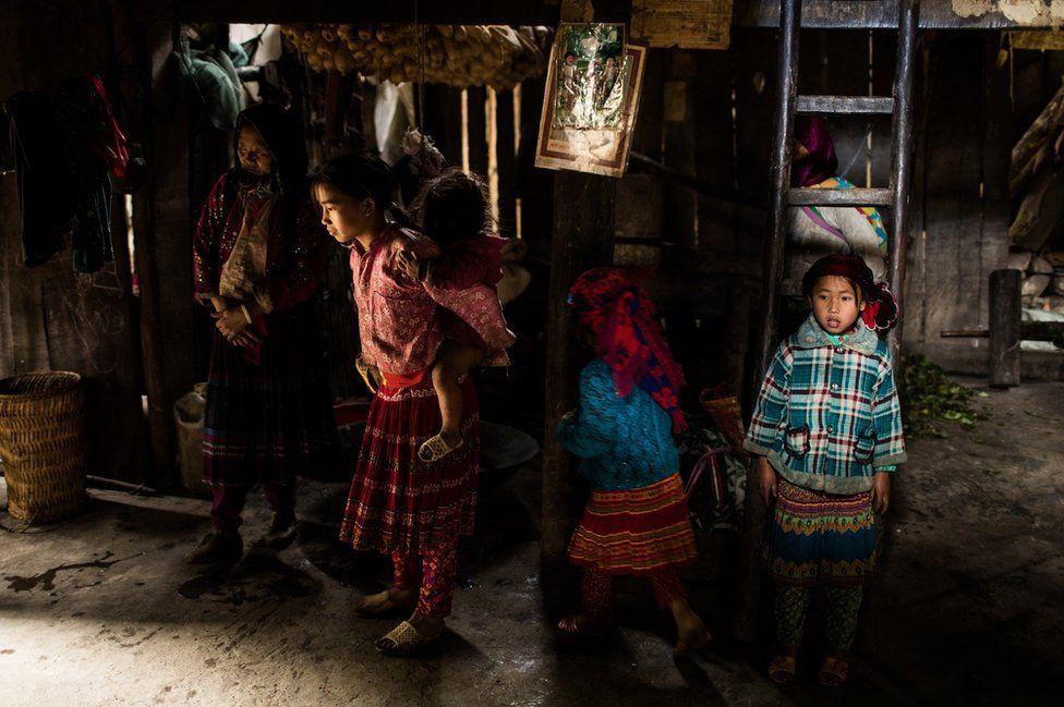 Nỗi lòng của những phụ nữ mất con gái nơi vùng núi phía bắc: Tổ quốc đẹp và buồn đến nao lòng trên tạp chí BBC - Ảnh 8.