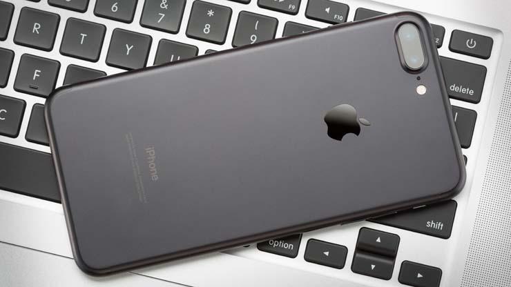 Chỉ có phái đẹp mới tự nhủ 4 điều này mỗi khi mua smartphone mới, phải không nhỉ? - Ảnh 1.