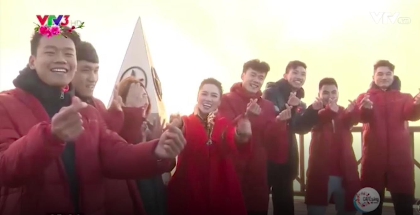 Clip: Các cầu thủ U23 Việt Nam chia sẻ cảm xúc trong dịp đầu năm mới Mậu Tuất trên đỉnh Fansipan - Ảnh 5.