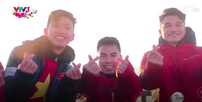 Clip: Các cầu thủ U23 Việt Nam chia sẻ cảm xúc trong dịp đầu năm mới Mậu Tuất trên đỉnh Fansipan - Ảnh 3.