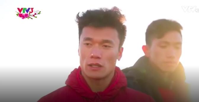 Clip: Các cầu thủ U23 Việt Nam chia sẻ cảm xúc trong dịp đầu năm mới Mậu Tuất trên đỉnh Fansipan - Ảnh 2.