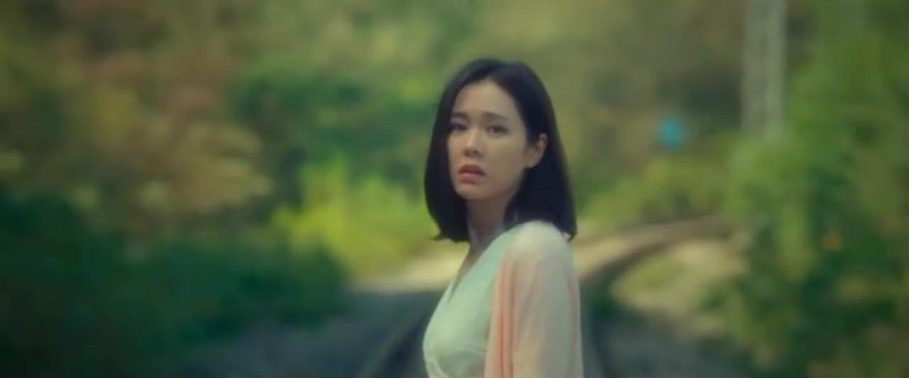 Vợ chồng So Ji Sub và Son Ye Jin trẻ đẹp ngỡ ngàng trong loạt poster và trailer phim - Ảnh 7.