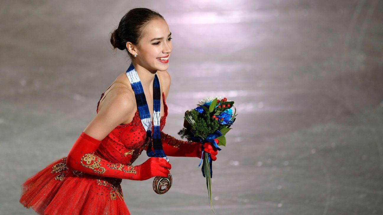 Nữ hoàng sân băng 15 tuổi người Nga phá kỷ lục thế giới tại Olympic mùa đông - Ảnh 6.
