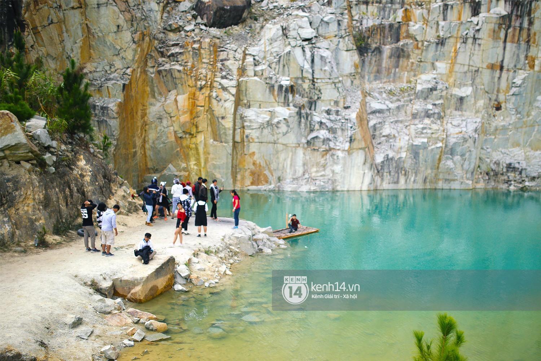 Nhiều du khách kéo đến Tuyệt tình cốc ở Đà Lạt để check-in dịp