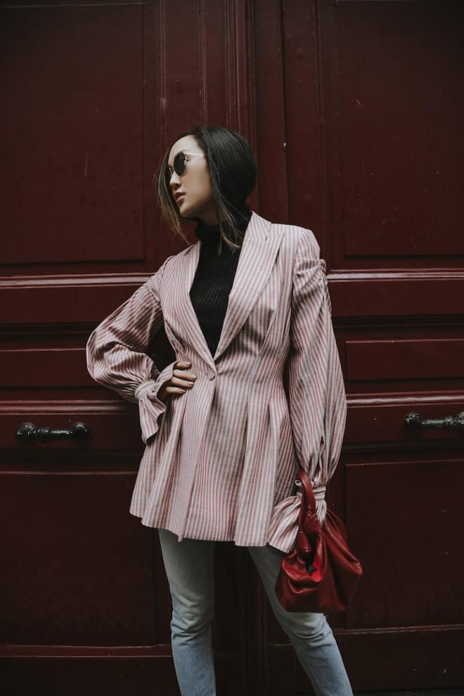 Tìm kiếm những gợi ý thú vị cho ngày đi làm đầu tiên của năm mới từ street style các quý cô châu Á - Ảnh 2.