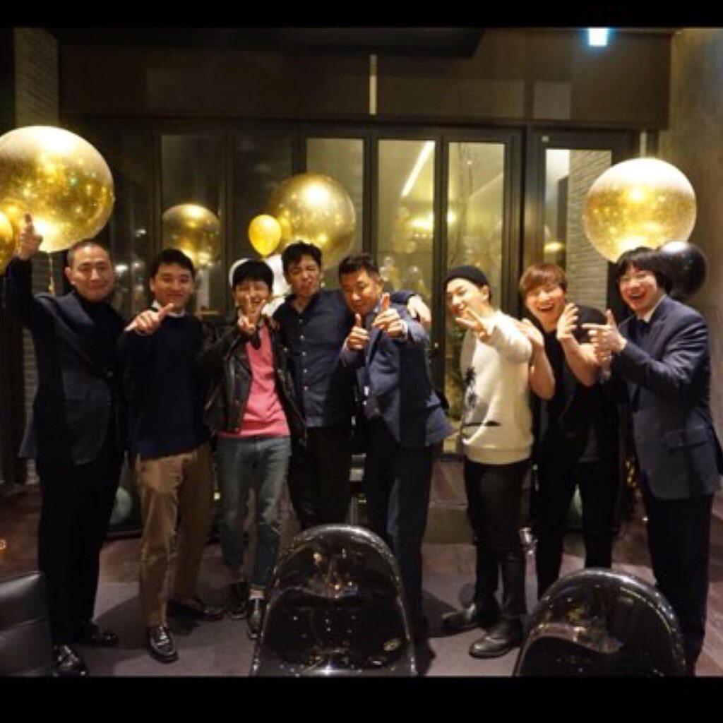 Phát khóc trước bức ảnh hiếm hoi: 5 thành viên Big Bang tụ họp như một gia đình trước ngày G-Dragon nhập ngũ - Ảnh 3.