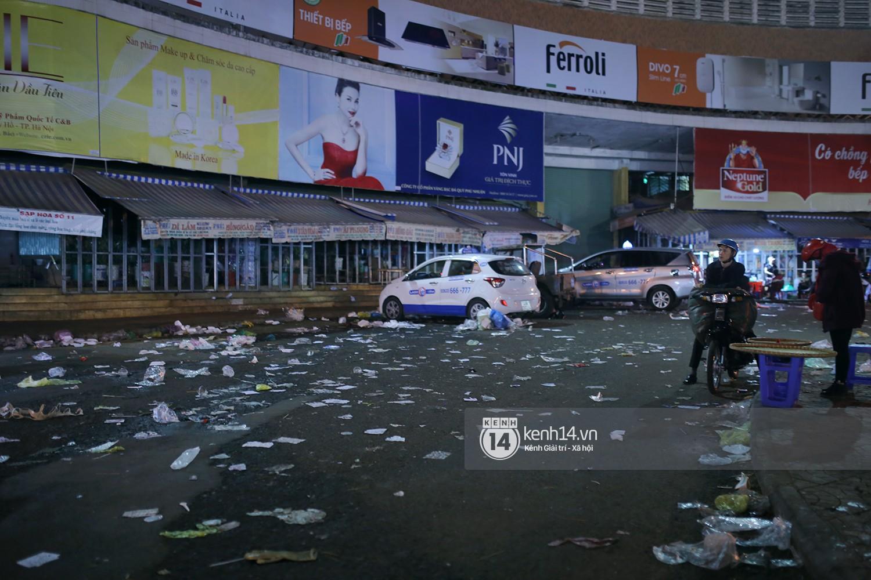 Du khách kết thúc kỳ nghỉ Tết nguyên đán tại Đà Lạt, thành phố lại ngập trong rác - Ảnh 5.