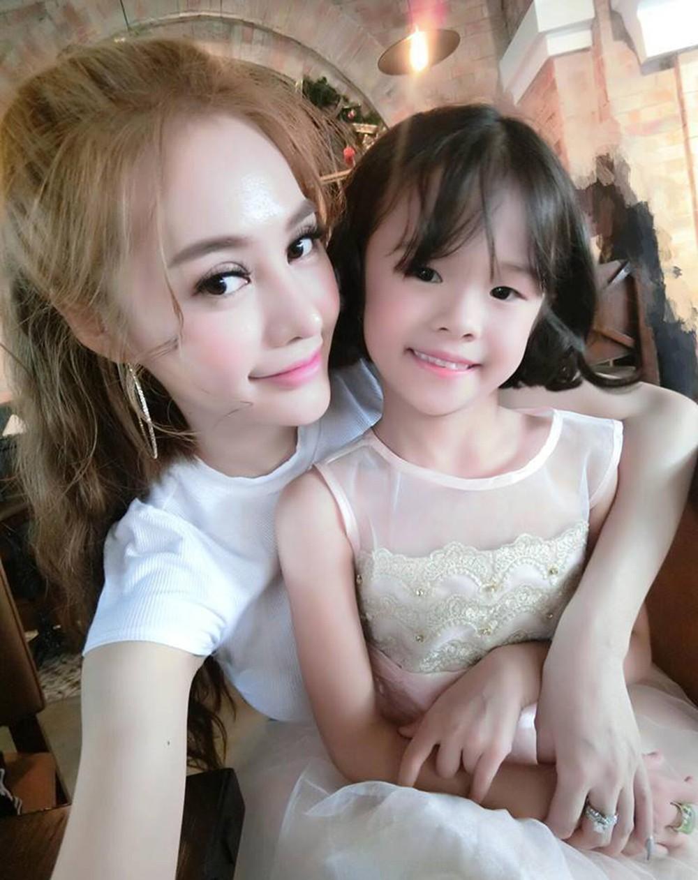 Bị chỉ trích lôi con gái ra sân si với Lý Phương Châu, Linh Chi đáp trả: Nhân cách tôi hơn cô ta! - Ảnh 4.